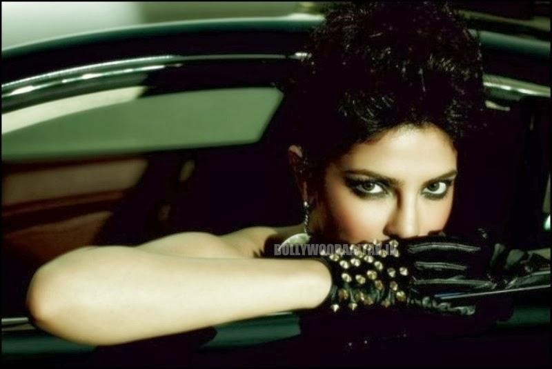 http://2.bp.blogspot.com/-ThPug4Lj7YQ/Utm82sHuxhI/AAAAAAAAh-w/Ht7fJ4ppDFU/s1600/Priyanka+Chopra+Filmfare+Magazine+Photoshoot+Images.jpg