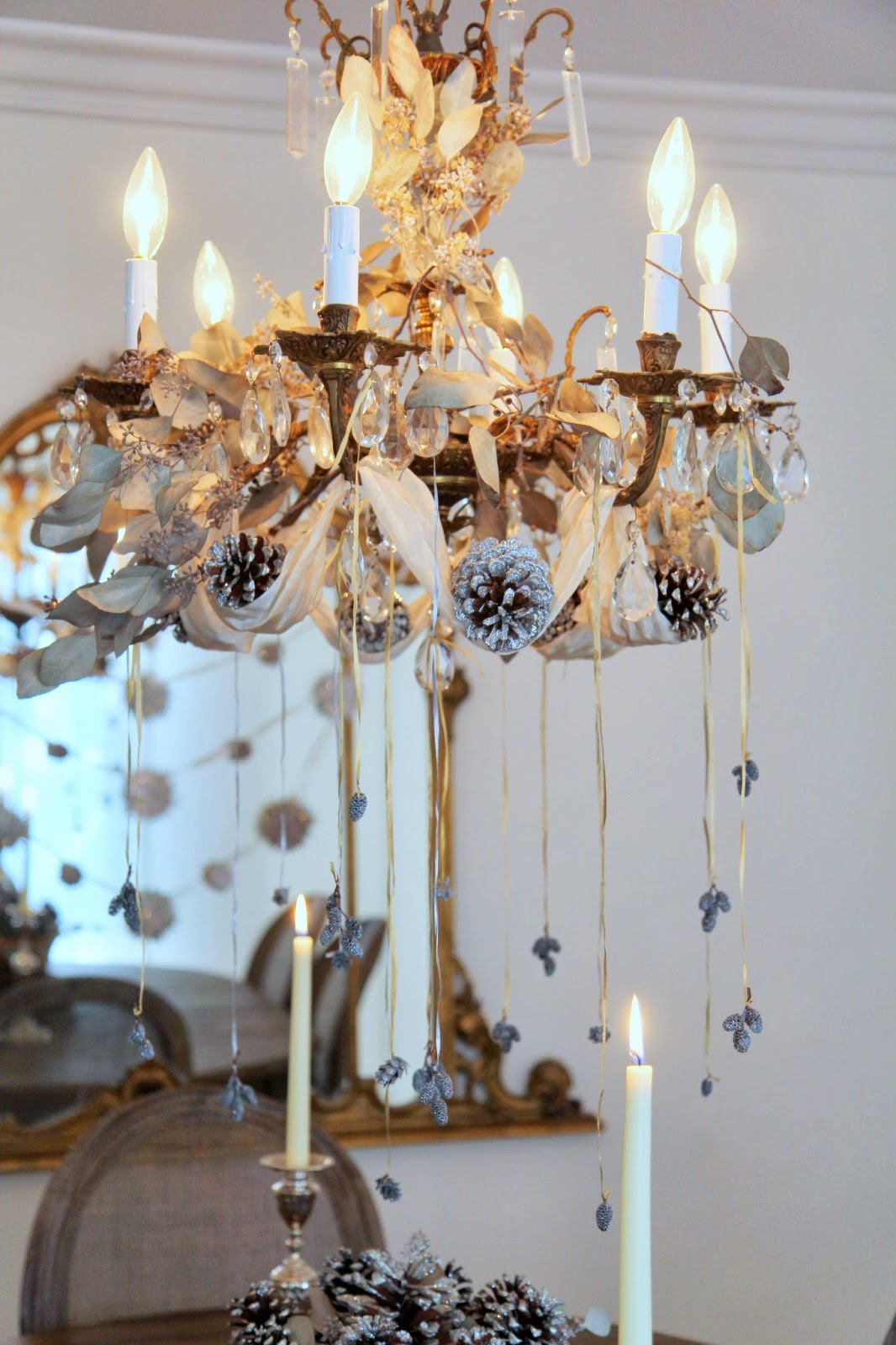 Chandelier-Decorated-for-Christmas