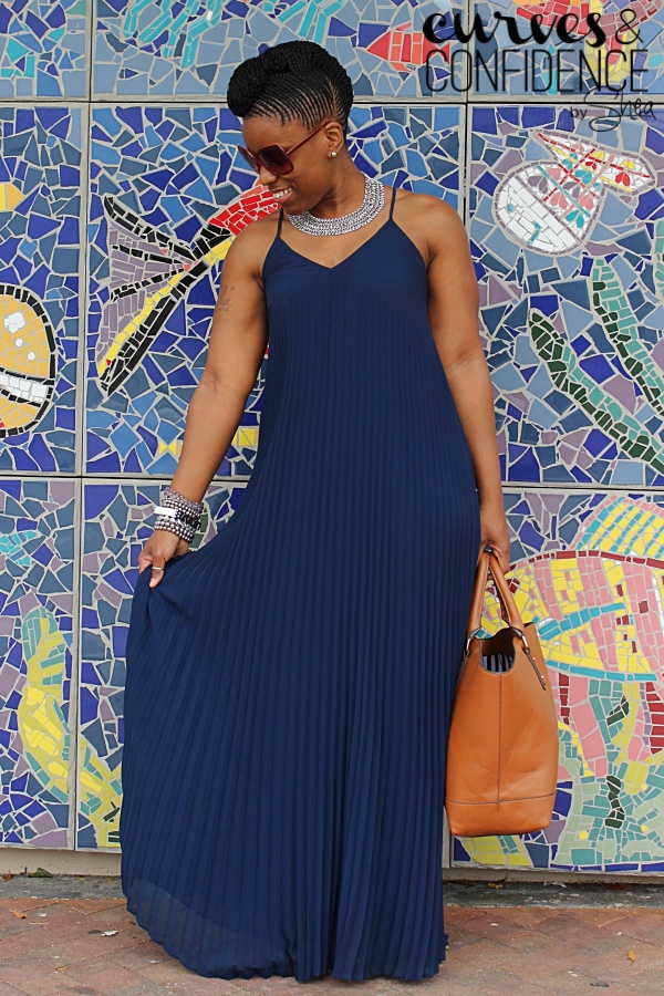 maxi dress and statement necklace, curves and confidence