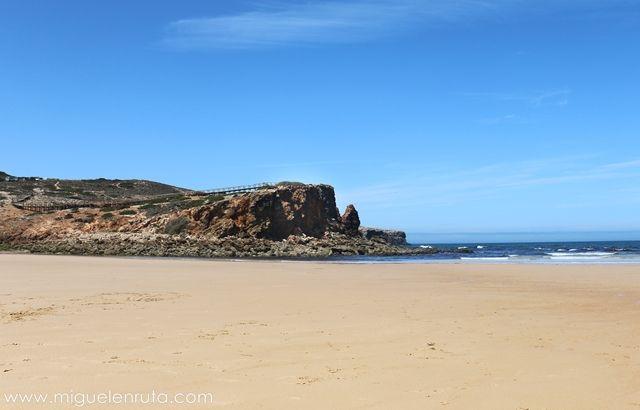 Praia-Da-Bordeira-Algarve-4