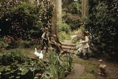 With a faery hand in hand movie time the secret garden for Le jardin secret film