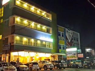 Hotel Murah Bandara Hasanuddin Makassar - Avira Hotel