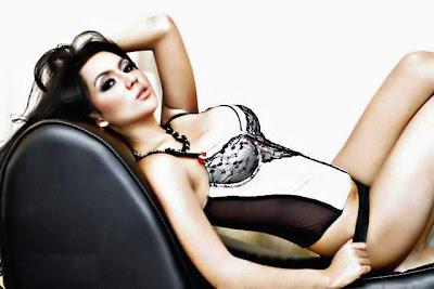 Model Sexy Indonesia, Anggita Sari - Ada Yang Asik