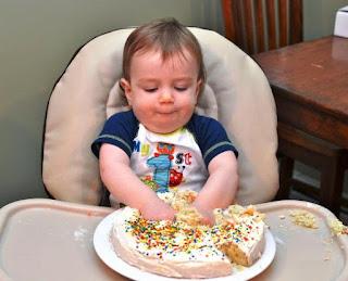 Foto Gambar Bayi Laki-Laki Ulang Tahun