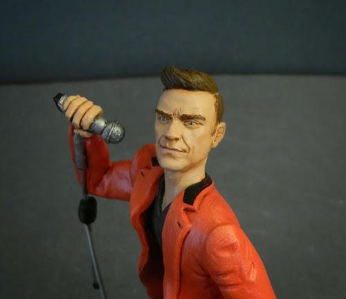statuine personalizzate realistiche statuette artistiche cantanti orme megiche