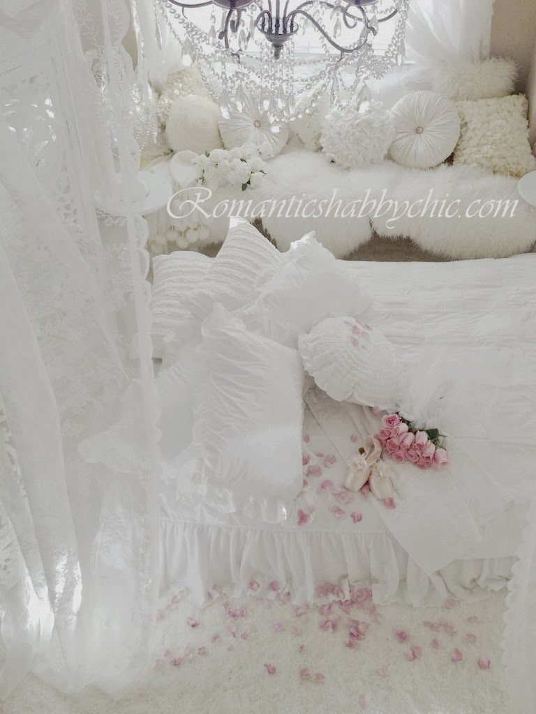 Romantic shabby chic home romantic shabby chic blog - Romantic Shabby Chic Dreamy Whites