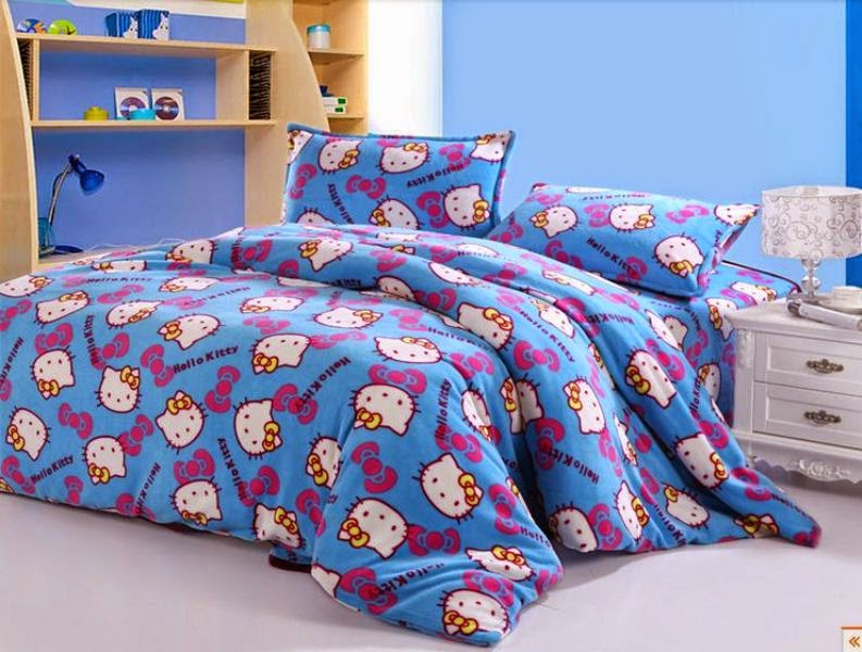 Desain kamar tidur anak motif hello kitty biru