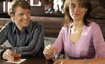 Behaviors Women Find Creepy - weird_man_date