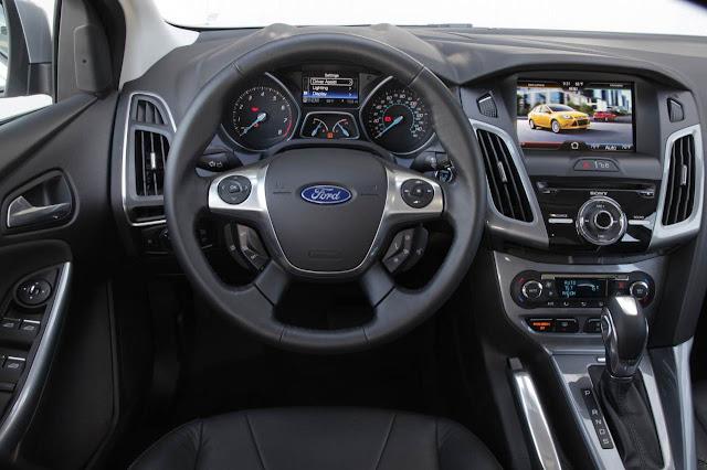 http://2.bp.blogspot.com/-Tj3TVPUTdAg/ULocfK4YqZI/AAAAAAAAsvs/Z-ZKpNU9qVc/s640/Novo-Ford-Focus-2013+(11).jpg