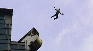 jatuh dari gedung