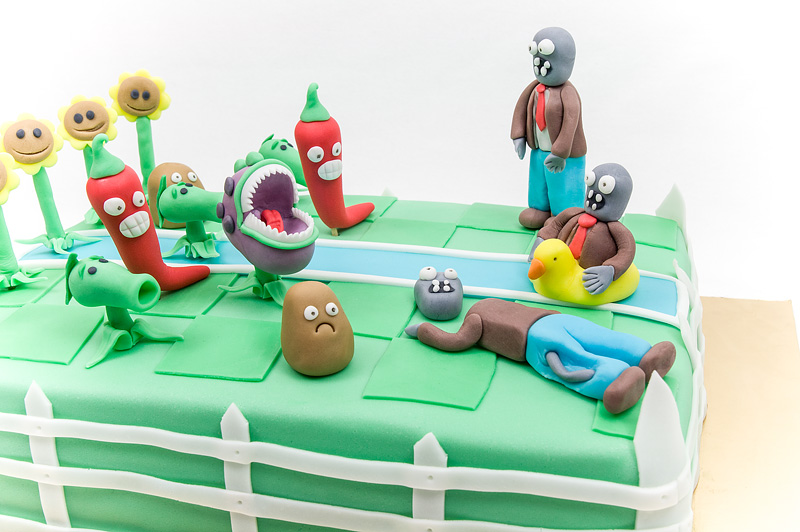 Plants vs zombies fondant cake in fight close up