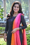 Poorna photos at RGD press meet-thumbnail-17