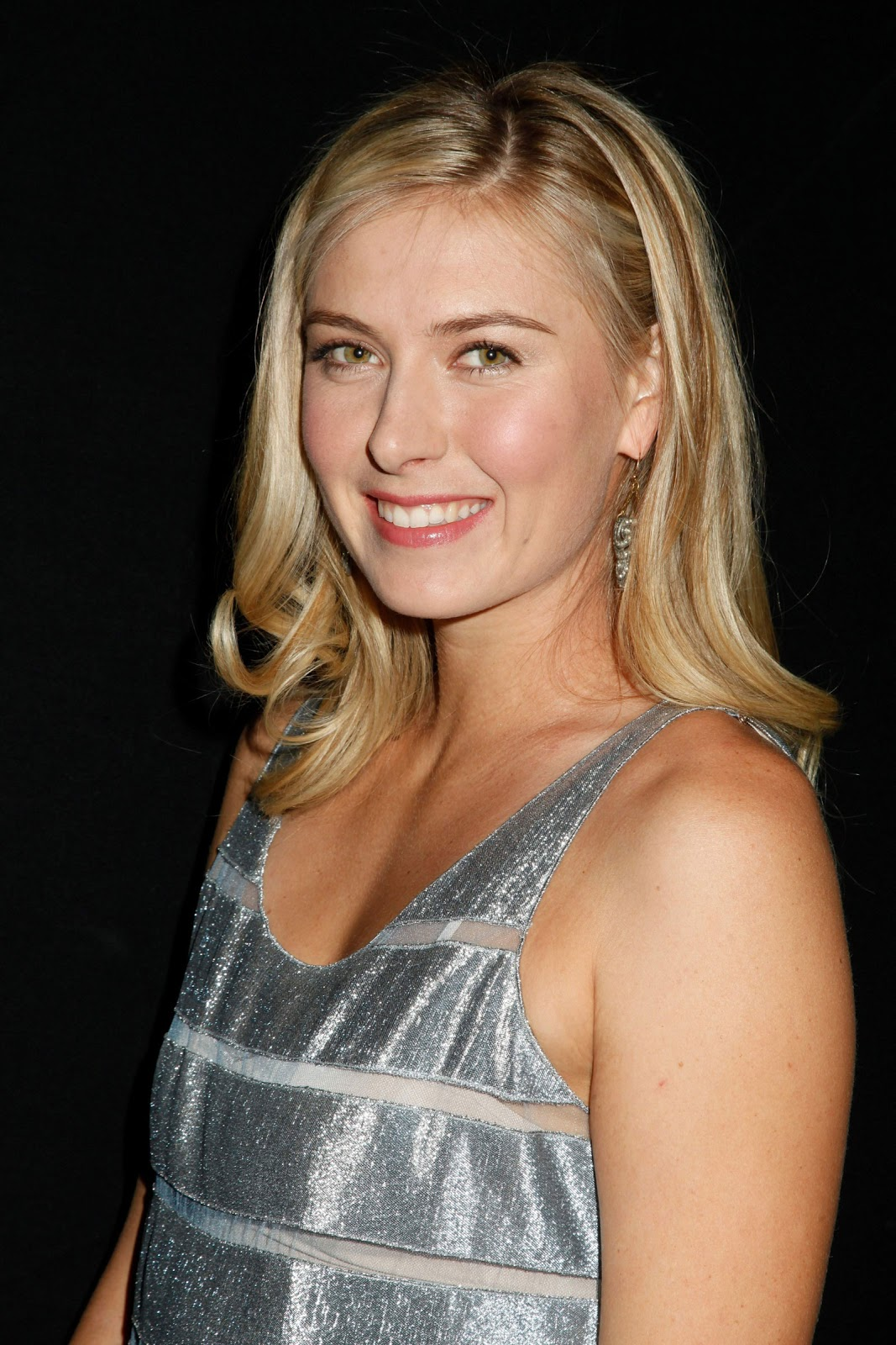 maria sharapova Russian-born tennis pro known as much for winning wimbledon, us open and australian open titles as for her looks, decibel-breaking grunts and commercial savvy - all of which made her the.