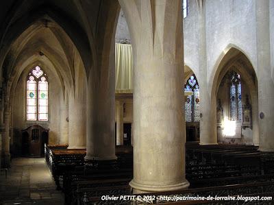 VEZELISE (54) - L'église Saint-Côme et  Saint-Damien (Intérieur)