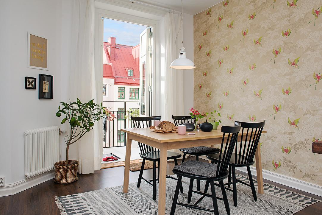Un peque o piso con alma n rdica decoracion for Papel pared comedor