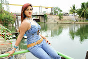 Naakaithe Nachindi Telugu Movie Stills Gallery-thumbnail-7