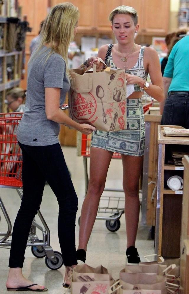 Dinero Y M S Dinero De Miley Cyrus Parejas Disparejas