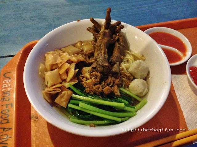 mie ceker eat and eat bali