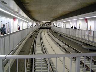 terowongan Tocho-mae-Shiodome - Hikarigaoka