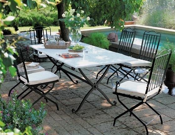 Godersi il giardino iside il tavolo da giardino di unopi - Tavoli da giardino in ferro battuto e mosaico ...