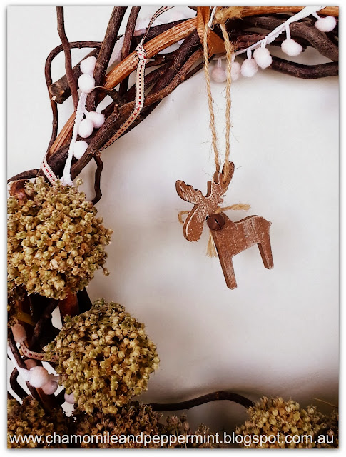 Chamomile and Peppermint Blog - DIY recycled Christmas Wreath