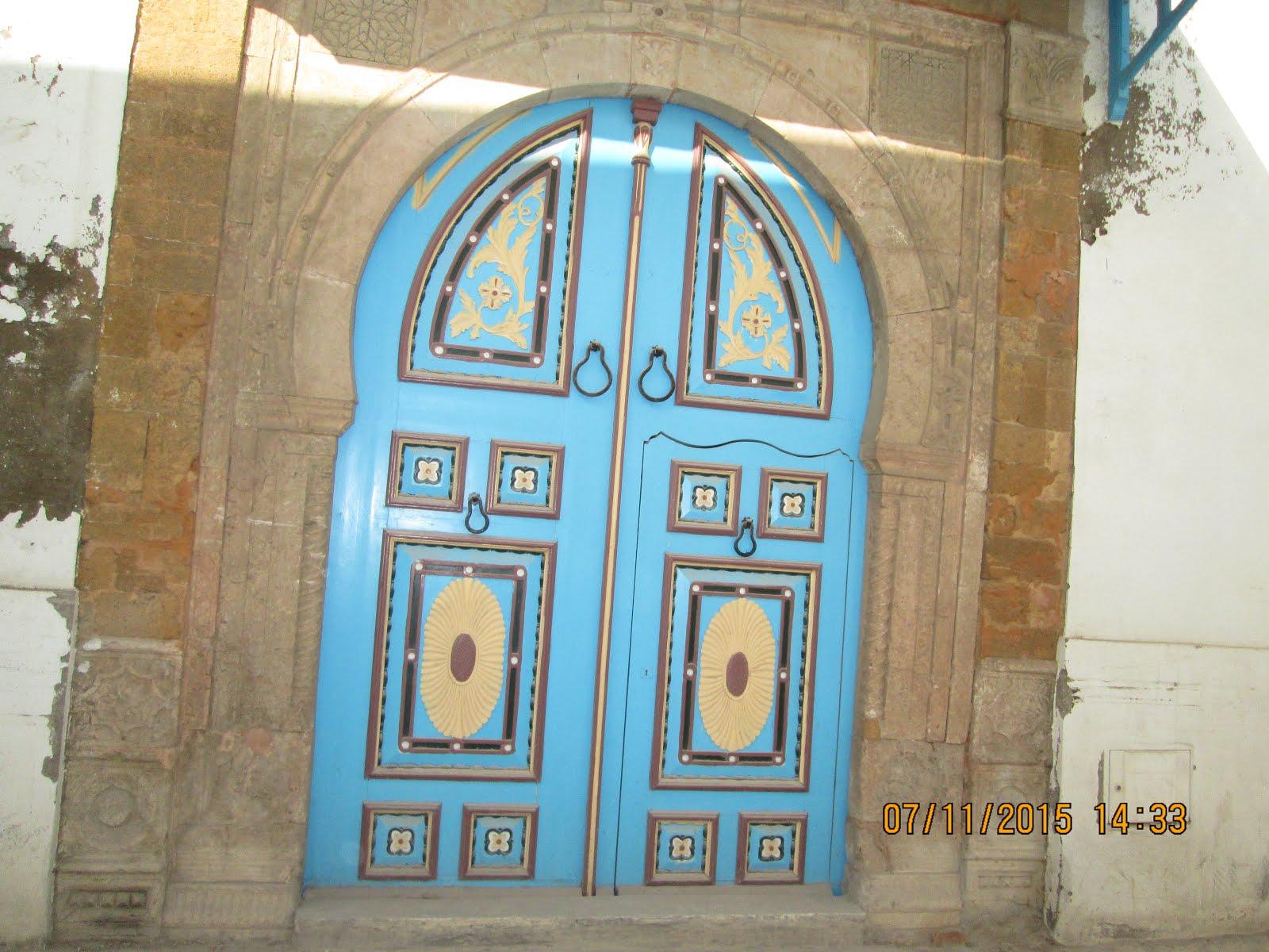مِنْ أبواب المدينة العتيقة: تونس العاصمة.
