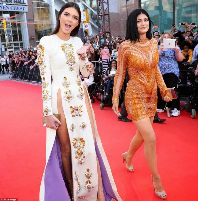 Los 12 vestidos más sexy de famosas que más dieron que hablar en el 2014... 1419966808_525080_1420022978_album_grande