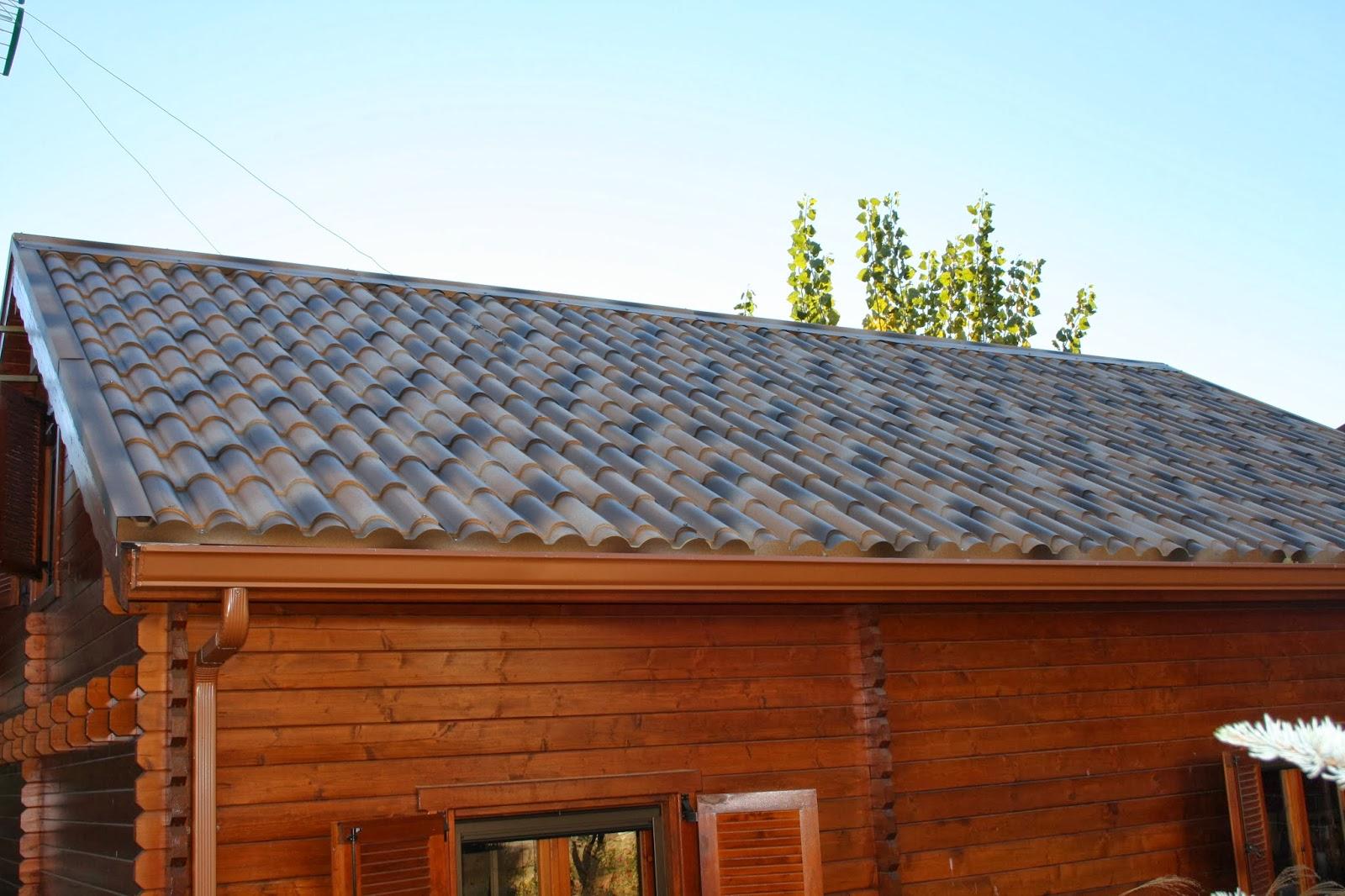 Cambiar tejado viejo en una casa de madera instaladores for Tejado de madera madrid