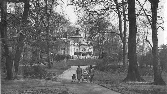 http://www.rp-online.de/nrw/staedte/duesseldorf/hofgarten-lokal-bleibt-geschichte-aid-1.4665460