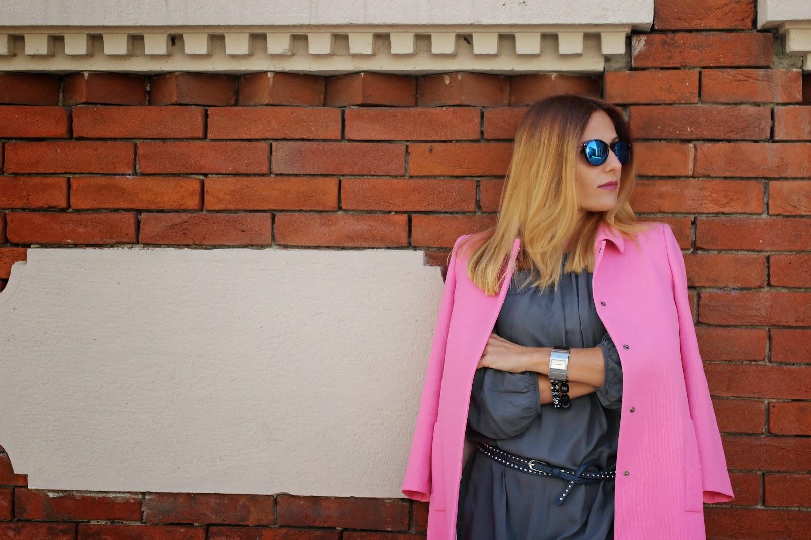 Eniwhere Fashion - cappotto rosa Zara - vestito grigio