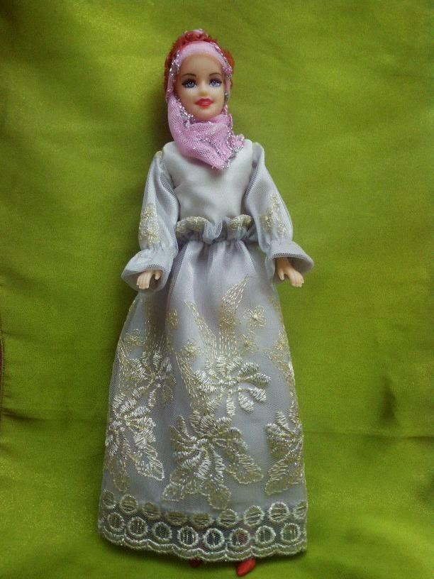 Gambar boneka barbie muslim terbaru