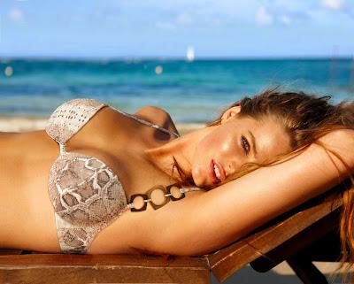 Robyn Lawley sexy bikini beach in Calzednoia Swimwear photoshoot