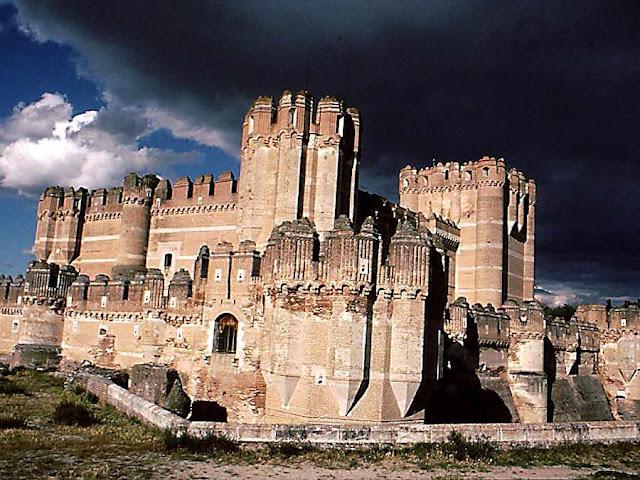 Trans-castelos ideais: um degrau para subir à ordem sobrenatural