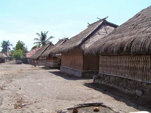 rumah adat senaru, desa wisata senaru, tujuan wisata di lombok, tempat wisata di lombok