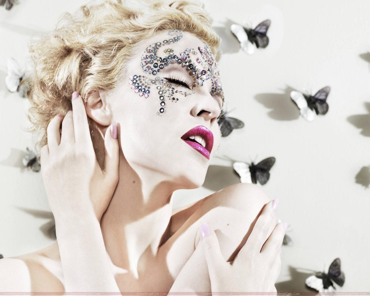 http://2.bp.blogspot.com/-Tkpdj1lKMuE/TX-ACi-GjsI/AAAAAAAAFn0/JcKxaYDGJ-Y/s1600/kylie_minogue_hollywood_hot_actress_wallpaper_sweetangelonly_03.jpg