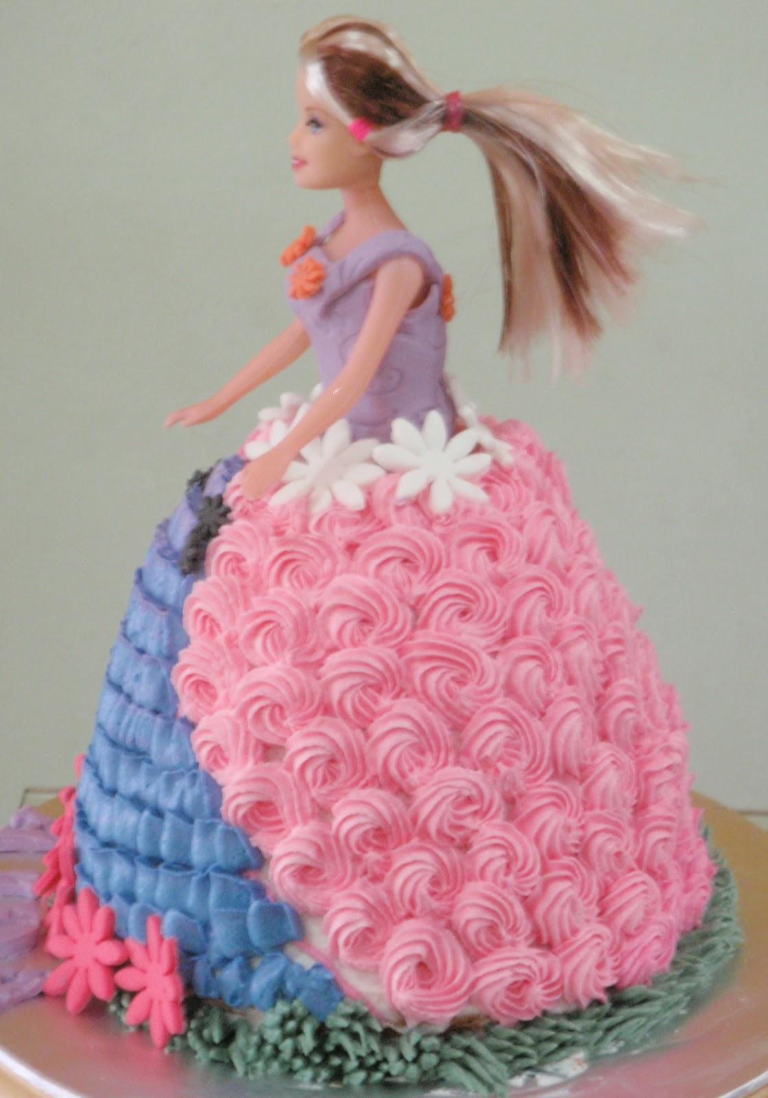 Cake Design Passo A Passo : Passo a Passo de bolo feito com boneca Barbie - Dicas pra ...