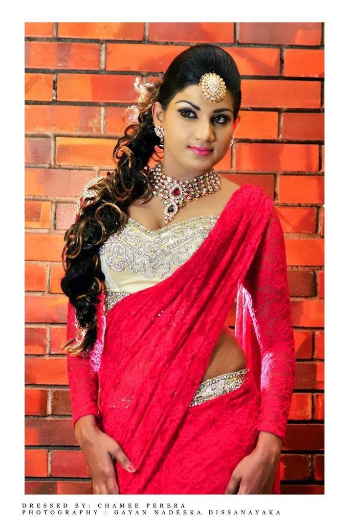 thilini gunasekara saree red