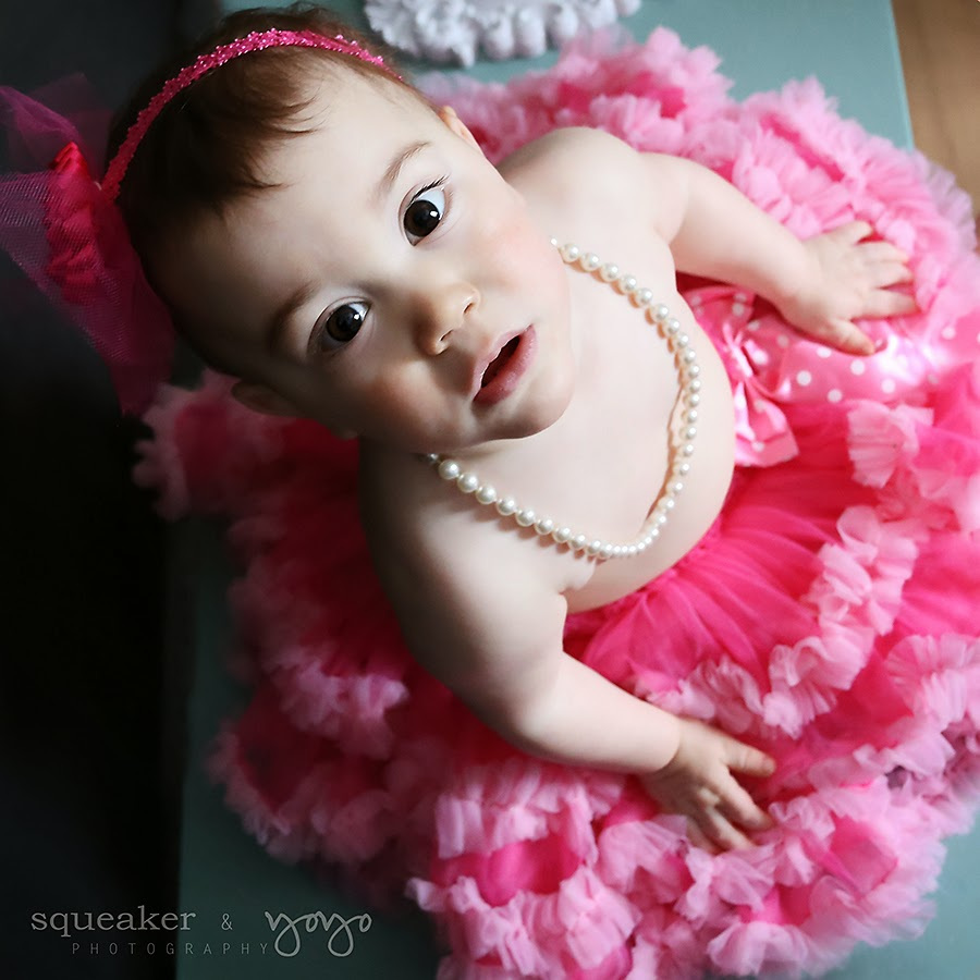 First birthday, Hamiltion Ontario, photography, baby portrait, baby's first year, winter baby, tutus