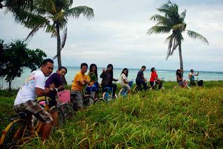 Berwisata Sepeda di Pulau Tidung