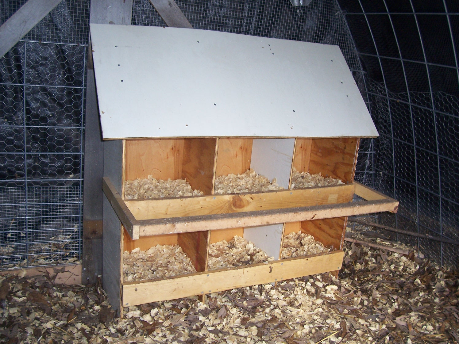 Joeu0027s Garden Journal A Low cost easy to build chicken nest box design & Joeu0027s Garden Journal: A Low cost easy to build chicken nest box ... Aboutintivar.Com