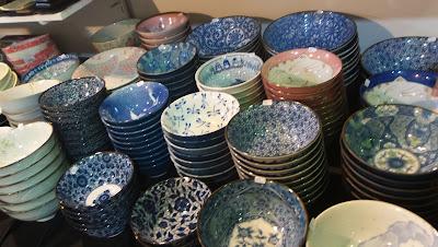 artesã; artesão; artista plástico; artesanato; feira; arte popular; lazer; exposição de arte; exposição de artesanato.
