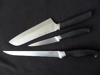 Nože, mixér, škrabka a iná kuchynská výzbroj