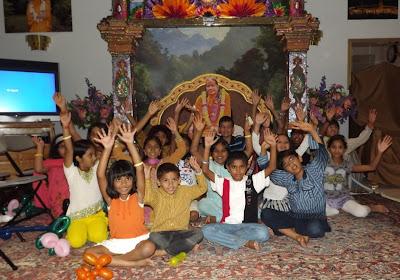 Rath Yatra and Anup Jalota Concert at Radha Madhav Dham, the ashram of Kripaluji Maharaj