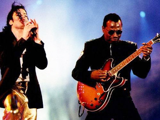 Ex-empresario do guitarrista de MJ, disse que vai fornecer informações que incrimine Murray Michael-jackson-and-david-williams-530-85