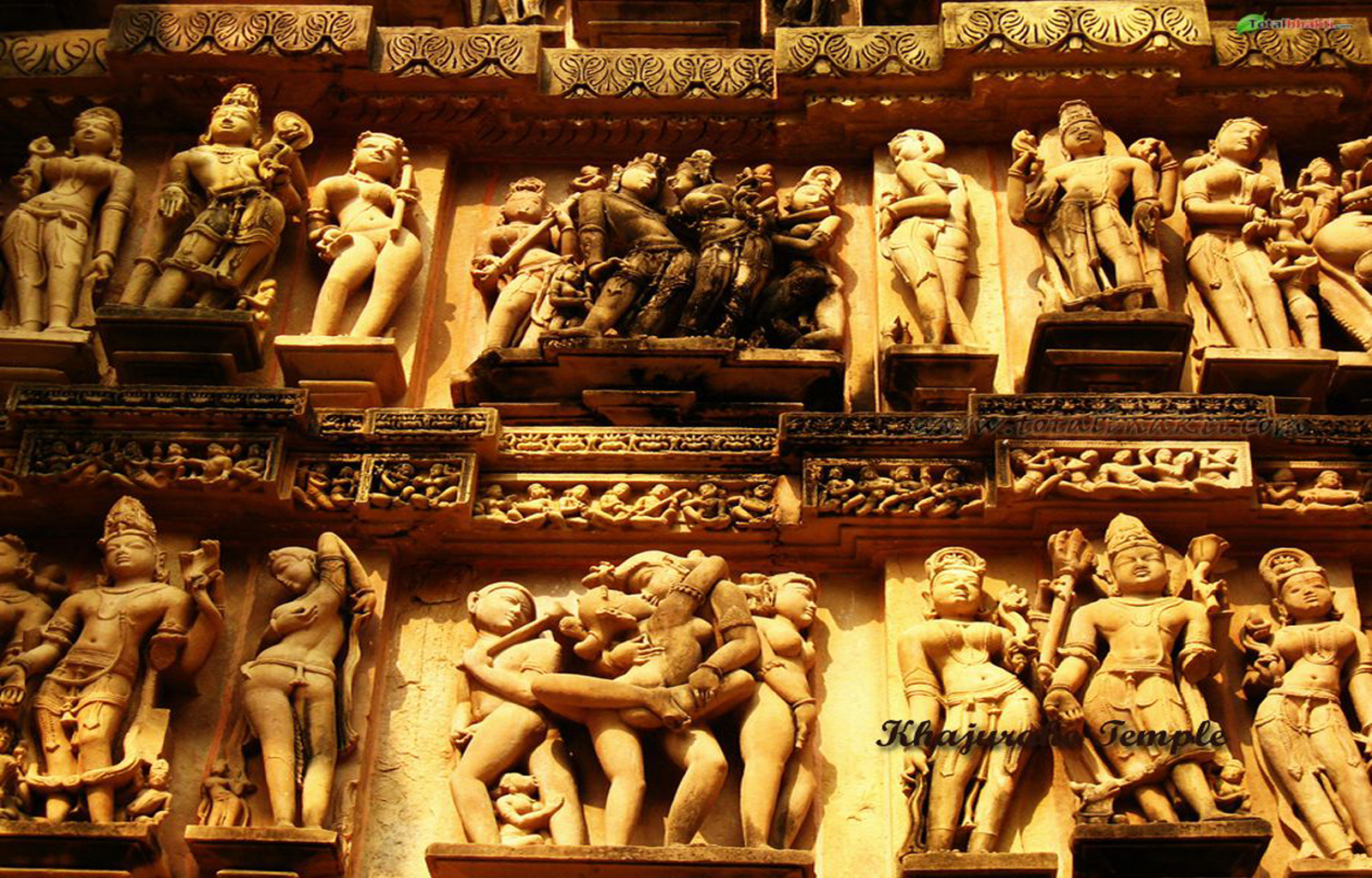 the khajuraho temples A unesco world heritage site, the khajuraho temples in madhya pradesh are amongst the most beautiful medieval monuments in india.