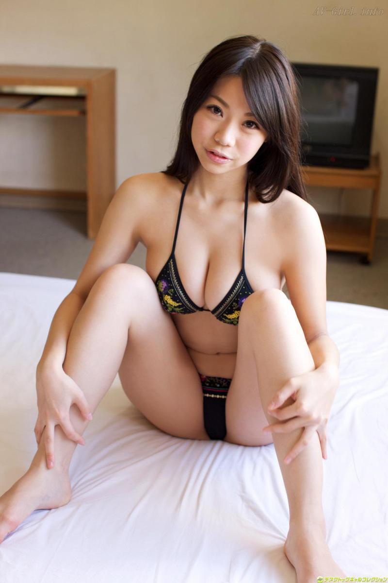 Fumina Suzuki, Foto Model Cantik dengan Bikini dari Jepang PART 3 (19 Foto)