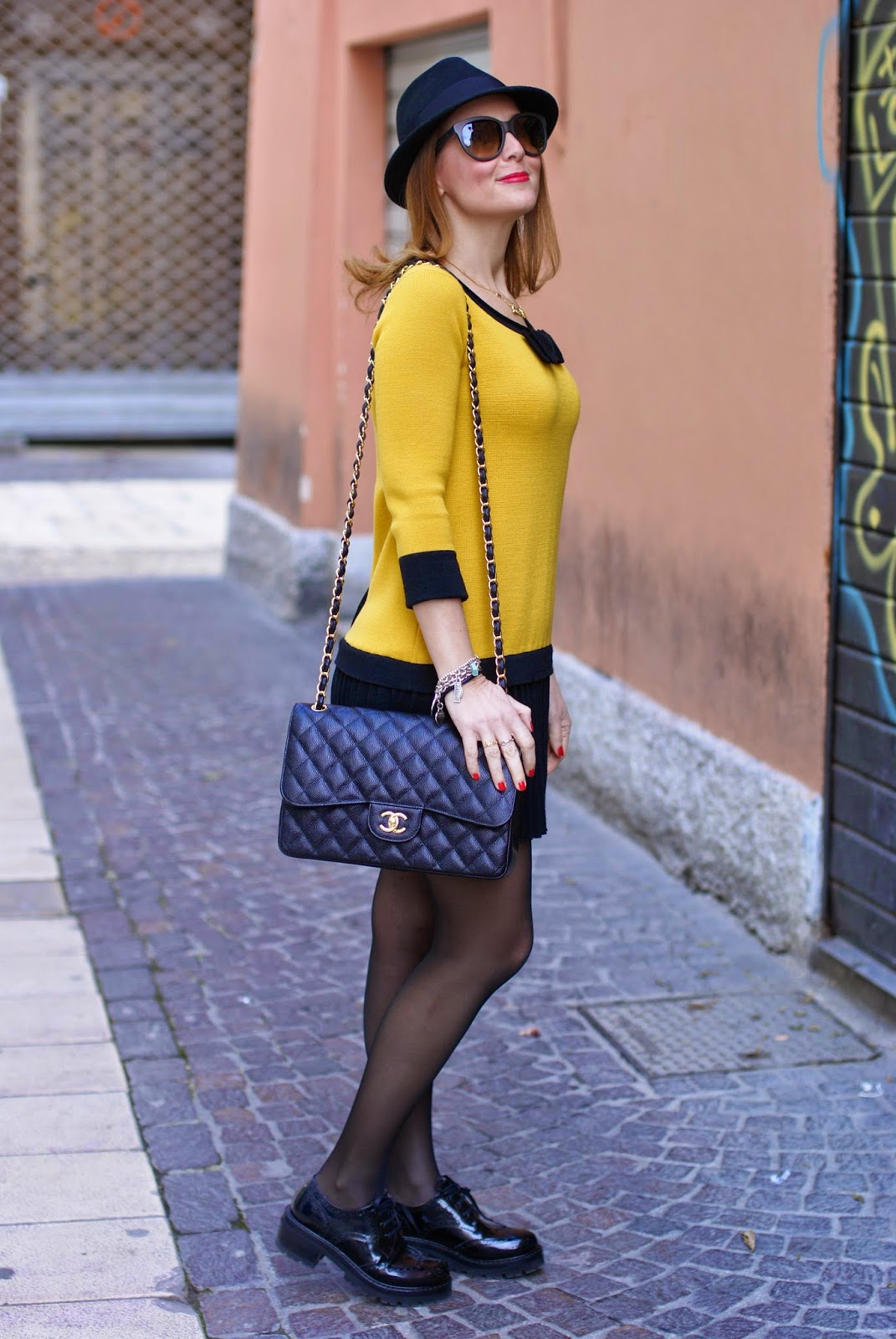 twin-set simona barbieri dress, short dress with black sheer tights, fedora H&M, Chanel 2.55 classic flap, Fashion and Cookies fashion blog, fashion blogger
