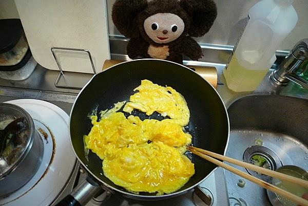 セロリと卵じゃこ炒めの作り方(1)
