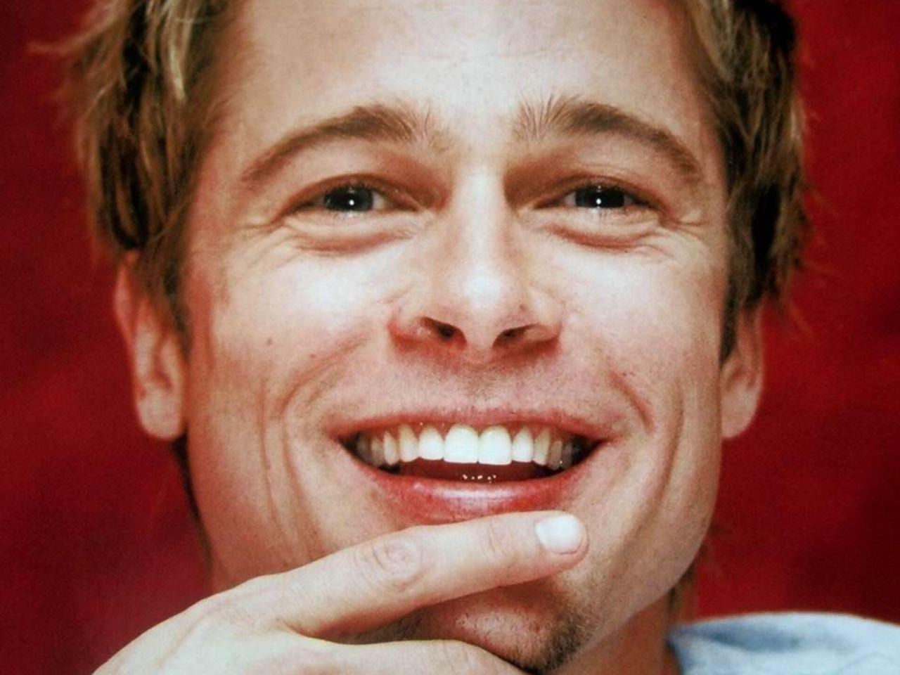 http://2.bp.blogspot.com/-TmmzNbUt5sQ/TtSA1o6h5dI/AAAAAAAAA9o/SYek3ARxz4A/s1600/Beautiful+Smile+of+Brad+Pitt.jpg