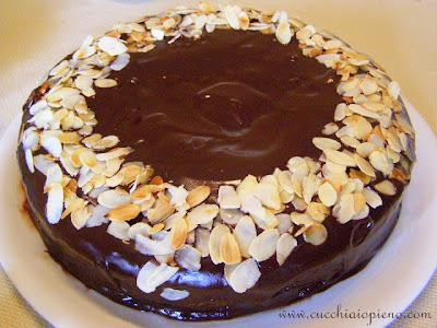 Esse bolo é digno de festa, pois é especial!